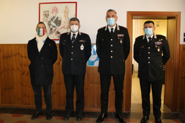 Incontro-al-comando-Carabinieri-per-installazione-Police-street-1-650x433