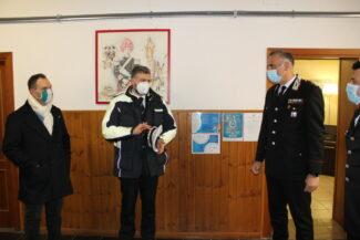 Incontro-al-comando-Carabinieri-per-installazione-Police-street-2-325x217