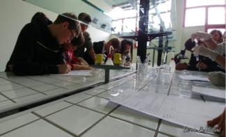 Laboratorio-di-Chimica-e-Biologia