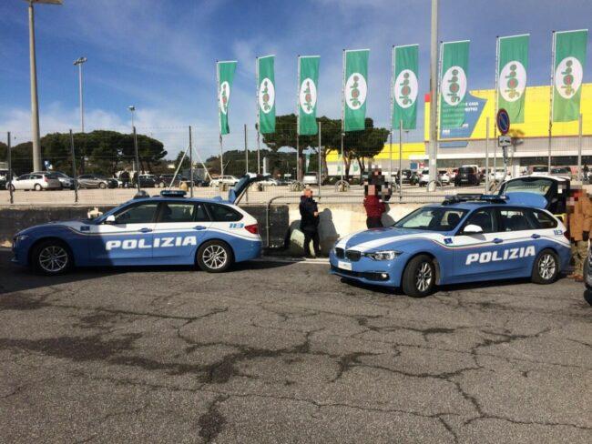 controlli-polizia-stradale-casello-a14-autostrada-civitanova-2-650x488