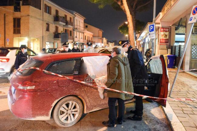 decesso-in-auto-carabinieri-medico-legale-cingolani-via-dante-alighieri-civitanova-FDM-9-650x434