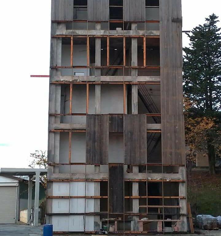 demolizione-castello-pompieri-2-e1610464590285