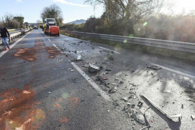 incidente-ghiaccio-in-superstrada-polstrada-e-cc-morrovalle-FDM-2-650x434