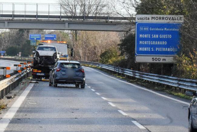 incidente-ghiaccio-in-superstrada-polstrada-e-cc-morrovalle-FDM-4-650x434