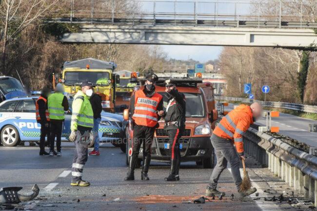 incidente-ghiaccio-in-superstrada-polstrada-e-cc-morrovalle-FDM-5-650x433