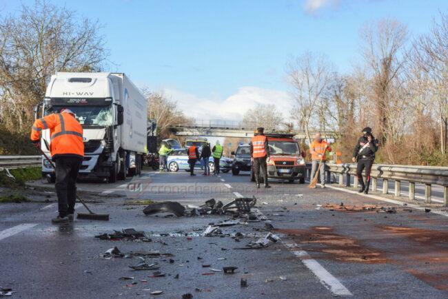 incidente-ghiaccio-in-superstrada-polstrada-e-cc-morrovalle-FDM-8-650x434