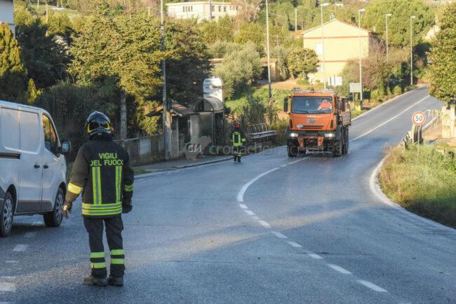 incidenti-per-ghiaccio-in-strada-via-dannunzio-strada-vergini-civitanova-FDM-2-650x434