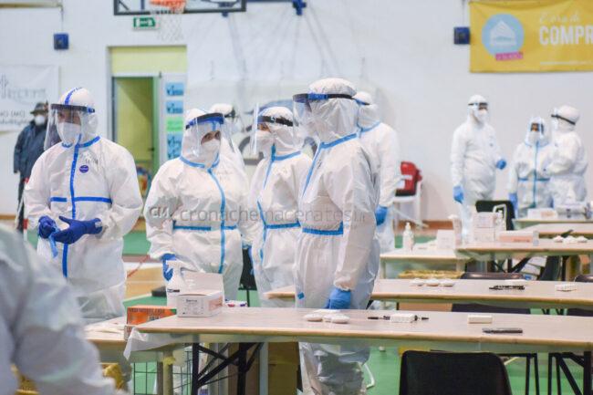 tamponi-covid-screening-di-massa-palarisorgimento-civitanova-FDM-1-650x433