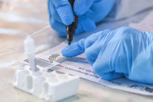 tamponi-covid-screening-di-massa-palarisorgimento-civitanova-FDM-12-650x434