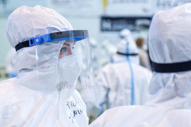 tamponi-covid-screening-di-massa-palarisorgimento-civitanova-FDM-8-650x433