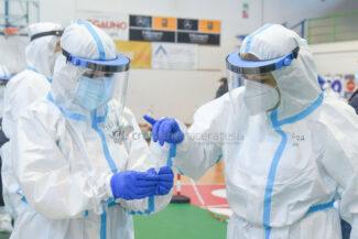 tamponi-covid-screening-di-massa-palarisorgimento-civitanova-FDM-9-325x217