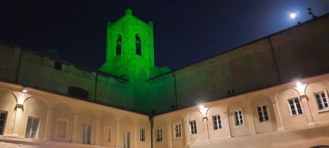 Giornata-mondiale-per-le-malattie-rare-illuminazione-Torre-del-Passero-solitario