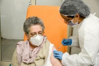 Vaccinazioni_Over80_FF-25-325x217