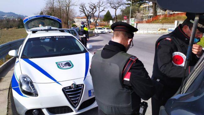 controlli-carabinieri-municipale-tolentino1-650x366