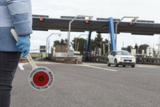 controlli-uscita-autosatrada-casello-a14-polizia-stradale-polstrada-civitanova-FDM-11-325x217