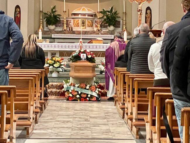 funerale-gennaro-di-prisco-1-650x488