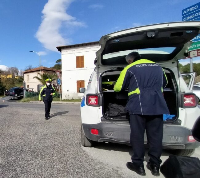 incidente-rotonda-san-severino-provinciale-361-2-650x579