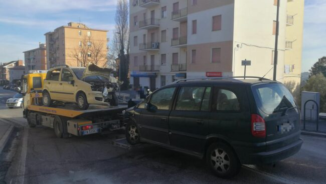 incidente-via-dei-velini-macerata-1-650x367