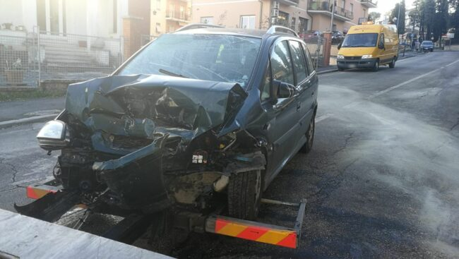 incidente-via-dei-velini-macerata-2-650x367