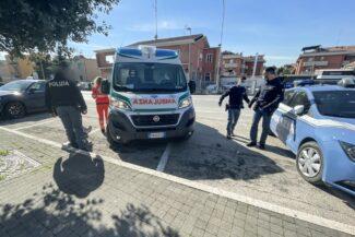 intervento-ambulanza-polizia-via-carducci-civitanova-2-325x217