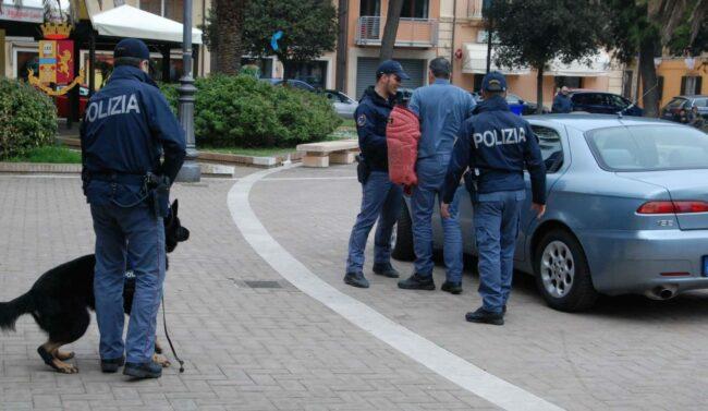 operazione-polizia-arresto-nigeriani-spaccio-eroina-9-650x377