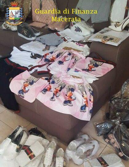 prodotti-contraffatti-guardia-finanza-macerata-1-e1613390668379