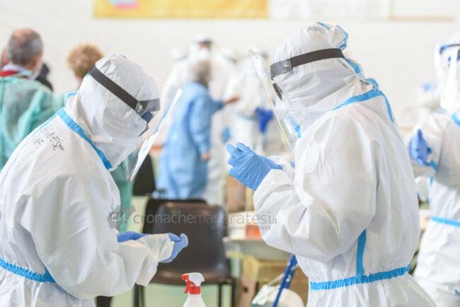 tamponi-covid-screening-di-massa-palarisorgimento-civitanova-FDM-13-650x434
