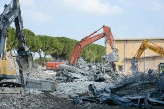 CentroFiere_Villapotenza_demolizione_FF-23-325x217