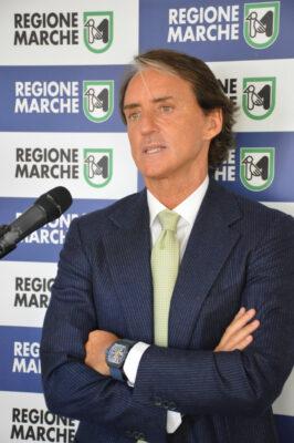 RobertoMancini_03-266x400