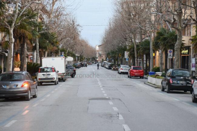 controlli-zona-rossa-fdo-polizia-carabinieri-gdf-vigi-urbani-civitanova-FDM-11-650x433