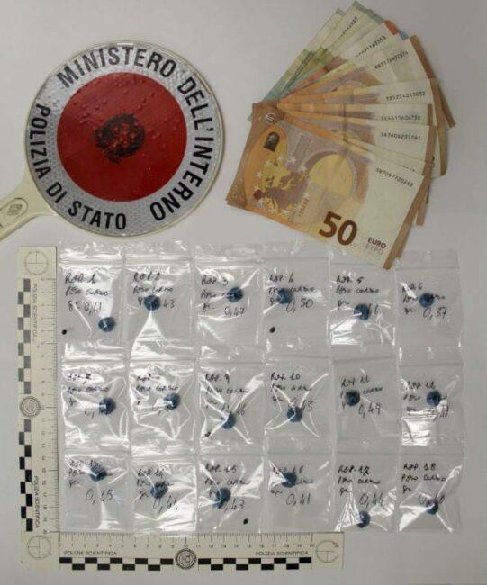 eroina-dosi-20enne-arrestato-541x650