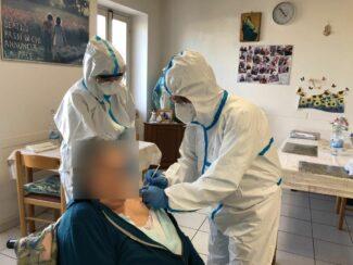 vaccini-montefano-1_censored-325x244