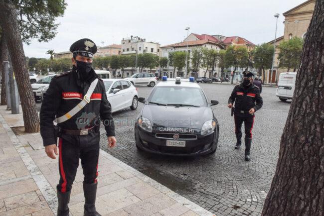 zona-rossa-marzo-2021-carabinieri-piazza-xx-settembre-civitanova-FDM-2-650x434
