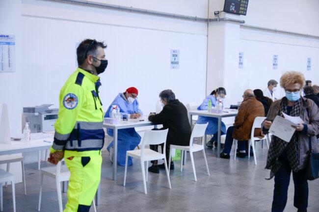 CentroVaccinale_MacerataSoccorso_FF-24-650x433