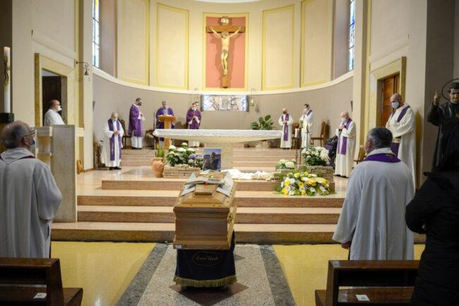 DonCarlo_Salesiani_Funerale_FF-5-650x433
