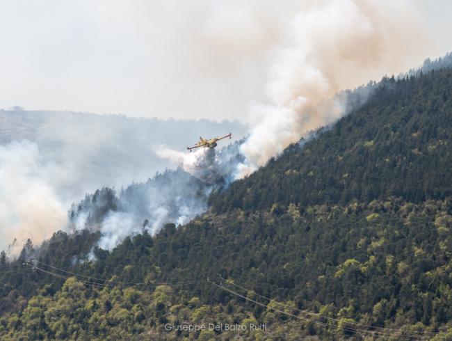 Incendio-Valcimarra-Caldarola-2-650x490