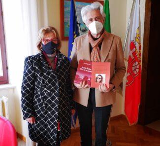 M. Cristina Pasquali e il sindaco di Macerata Parcaroli