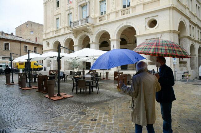 PiazzaCesareBattisti_26Aprile_FF-7--650x433