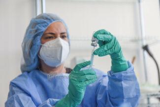 apertura-nuovo-centro-vaccinale-civitanova-FDM-8-325x217