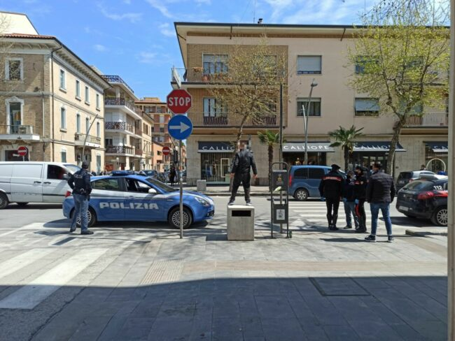 civitanova-protesta-mascherine-3-650x488