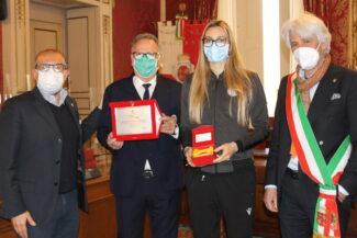 da-sinistra-Sacchi-Paolella-Melissa-Martinelli-il-sindaco-Parcaroli