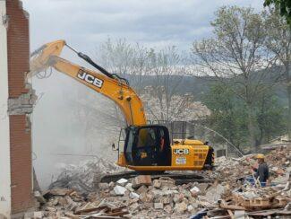 demolizione-ex-istituto-professionale-camerino-5-325x244