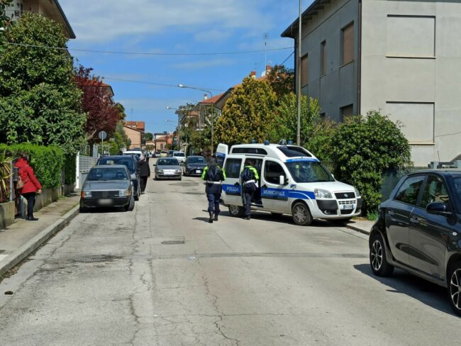 incidente-civitanova-via-petrarca3-650x488