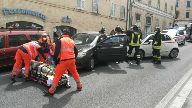 incidente-macerata1_censored-650x367