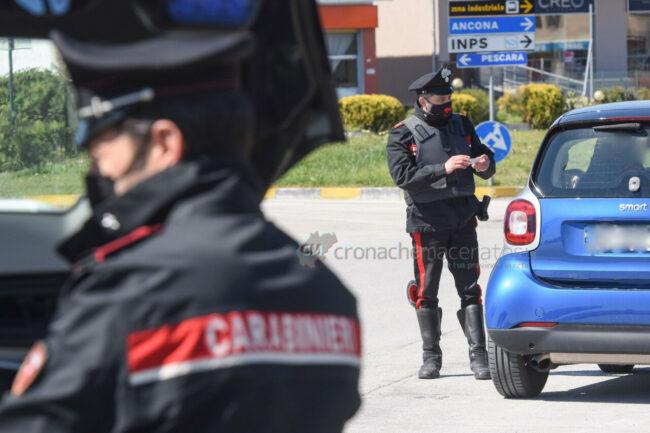 pasquetta-controlli-carabinieri-civitanova-FDM-2-650x433