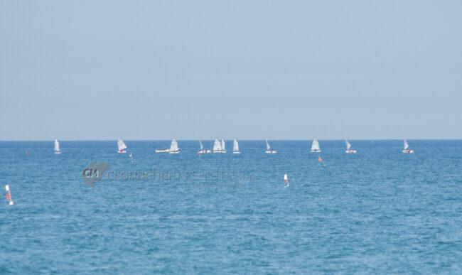 passeggio-vacanze-pasquali-in-spiaggia-mare-bagnanti-civitanova-FDM-4-650x387