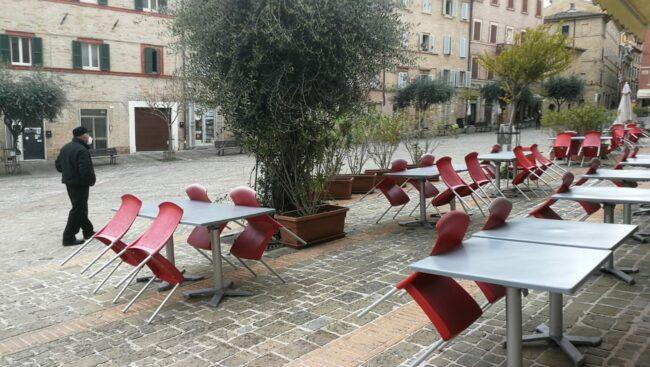 piazza-mazzini-26-aprile-zona-gialla-650x367