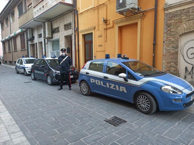 polizia-carabinieri-via-nave-civitanova-borgo-marinaro