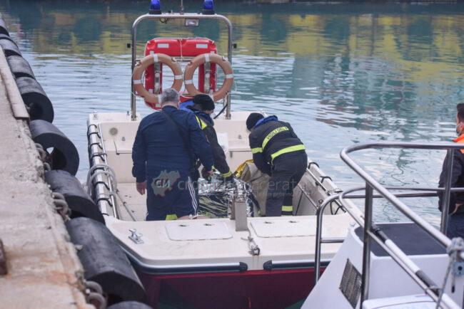 ricerche-nel-porto-area-portuale-guardia-costiera-e-vdf-civitanova-FDM-5-650x434