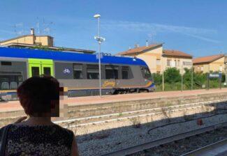 treno-treni-stazione-macerata_censored